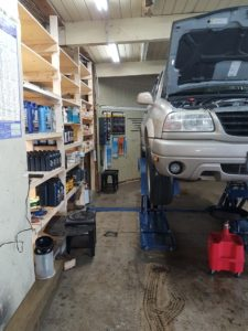 Overview of inside the shop - Car Lift